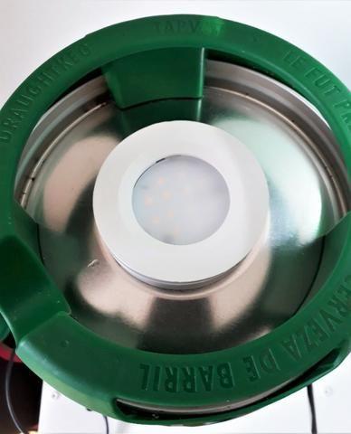 Luminaria mesa abajur barril cerveja heineken 5 L bivolt luz branca quente - Foto 3