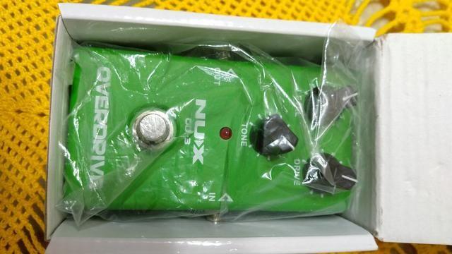 Pedal Nux Overdrive NOVO, na caixa e com as TAGS - Foto 2