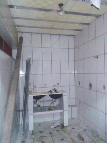Casa com 3 andares sendo o primeiro um comercio moradia pronta para morar - Foto 4