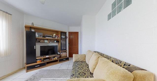 Vende Apto 2 Dormitórios com Garagem Coberta - Foto 3