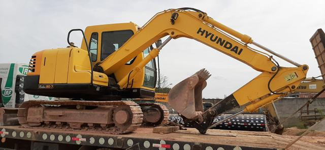 Escavadeira 8 Toneladas Hyundai 2010