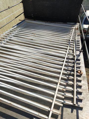 Portão ferro garagem só instalar - Foto 2