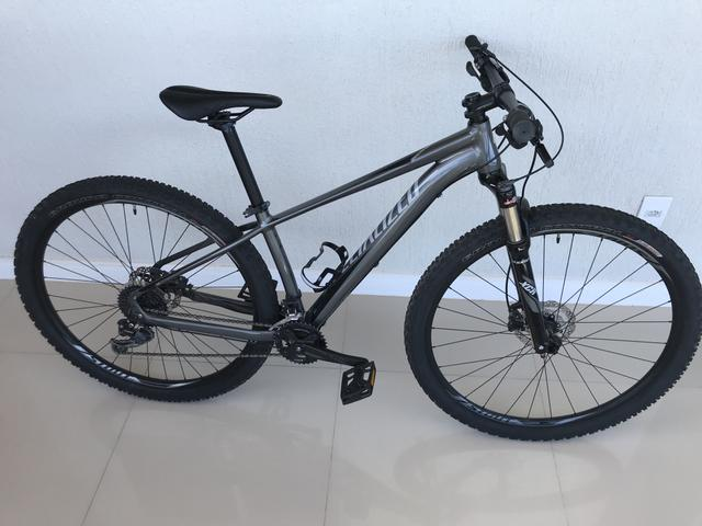 Bicicleta Specialized Rockhopper Comp 29