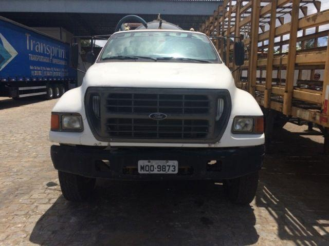 FORD F-14000 2001