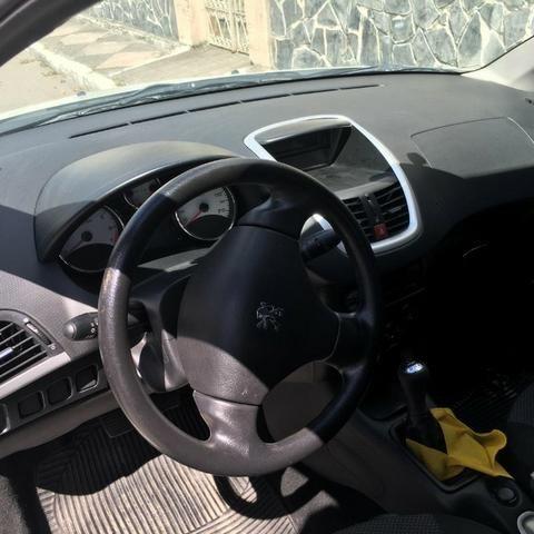 Peugeot 207 Hatch 1.4 Flex - Completo - Excelente estado - Foto 6