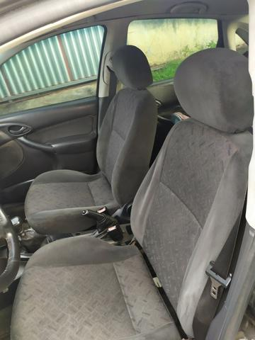 Focus sedan impecável aceito trocas - Foto 7