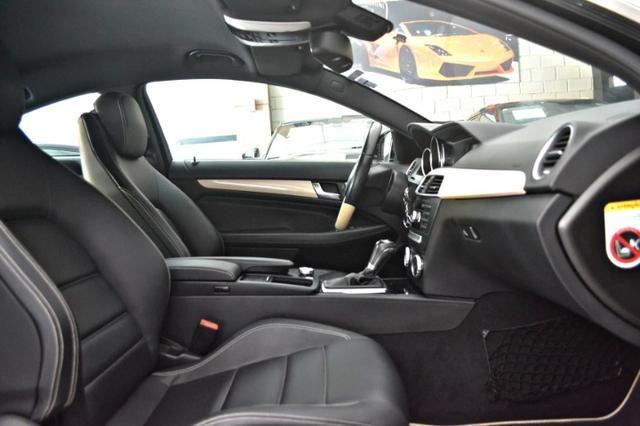 Mercedes Benz C180 1.6 CGI Coupe. Preta 2012/12 - Foto 10