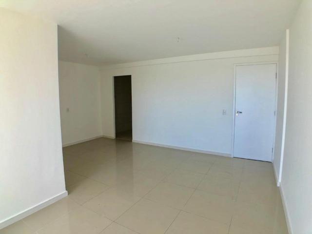 AP0645 Apartamento com 3 suítes e 3 vagas no Ed. Padre Joaquim Dourado - Foto 3