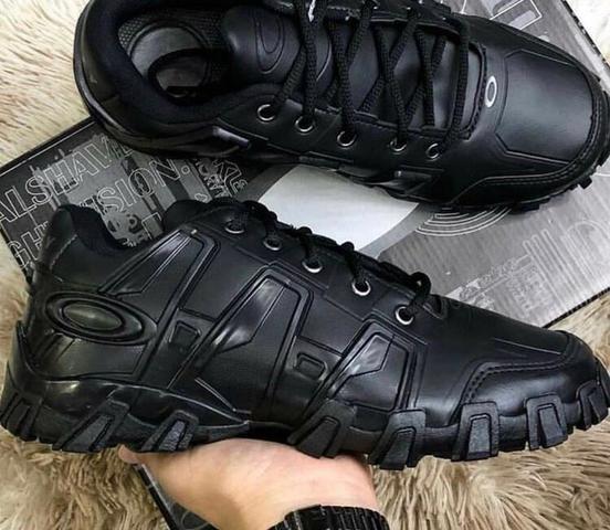 5dedb48840339 Tênis bota botinha oakley feminino masculino promoção barato ...