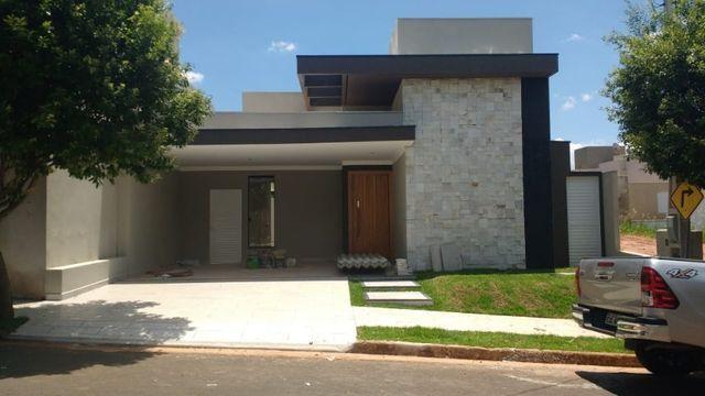Vendo ou troco Casa Nova no Condomínio casa com 3 Suítes. casa completa