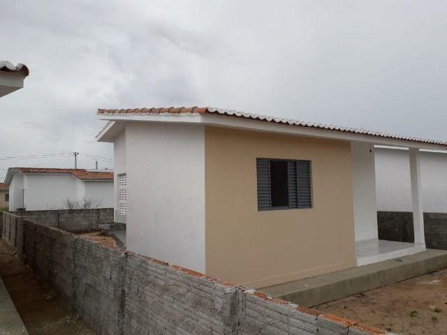 Vende-se ou troca-se por carro, uma casa nova recém construída em condomínio fechado - Foto 5