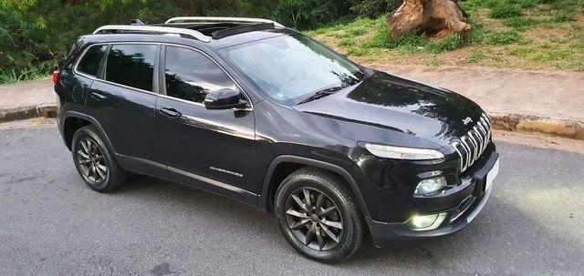 Jeep Cherokee 3.2 V6 4x4 271cv maravilhoso 2014 - troco menor valor - Foto 9