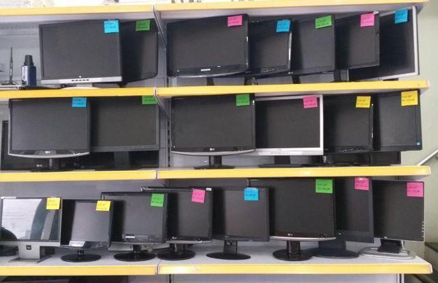 LOTE 10 Monitores LCD Funcionando