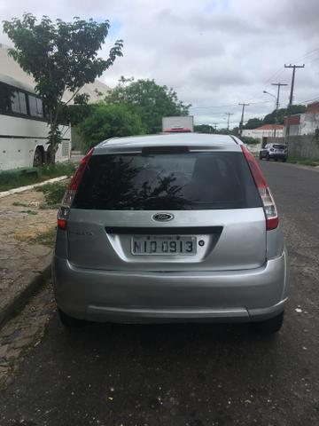 Ford Fiesta 10/10 Ar travas e alarme! - Foto 2
