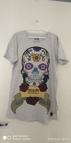 Camisetao Semi Novo M