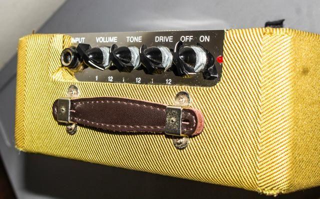 Amplificador Fender Twin Mini - Foto 3