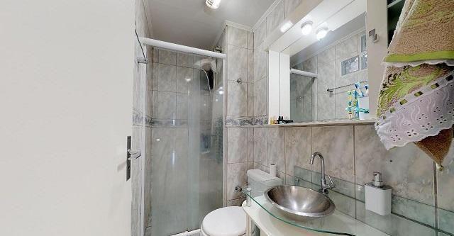 Vende Apto 2 Dormitórios com Garagem Coberta - Foto 7