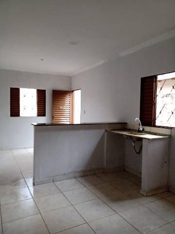 Aluga-se quitinete na Vila Alzira - Aparecida de Goiânia