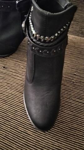 Vendo bota tamanho 37