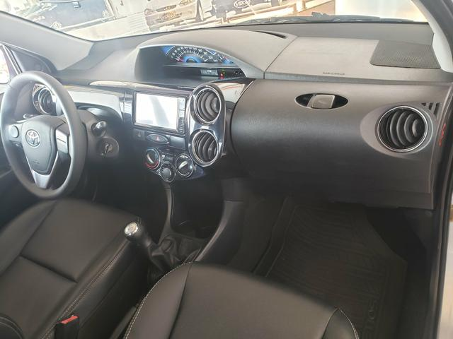 Toyota etios xls hatch - Foto 6