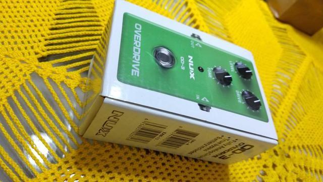 Pedal Nux Overdrive NOVO, na caixa e com as TAGS - Foto 4