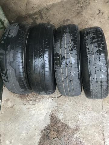 Pneus 4 pneus usados