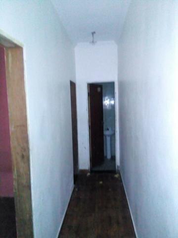 Casa com 3 andares sendo o primeiro um comercio moradia pronta para morar - Foto 3