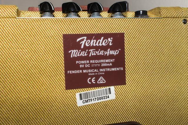 Amplificador Fender Twin Mini - Foto 4