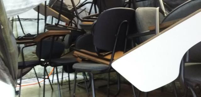 Cadeiras universitárias - Foto 2