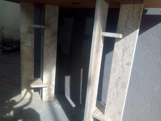 Pé de mesa de mármore crema - Foto 2
