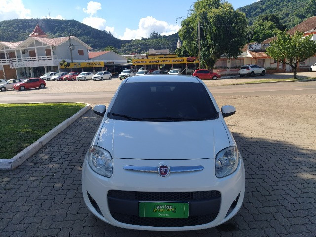 Fiat Palio Attractive 1.0 8V (Flex) 2014 - Foto 2