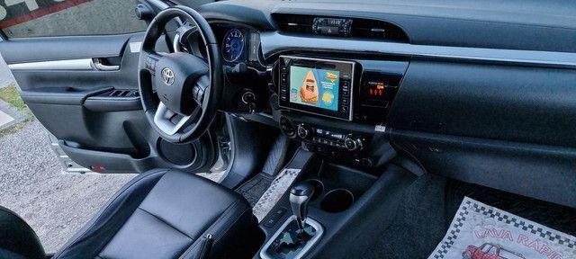 TOYOTA Hilux SRV Top 4x4 flex com Gnv de 5 geração multimídia TV digital  - Foto 13