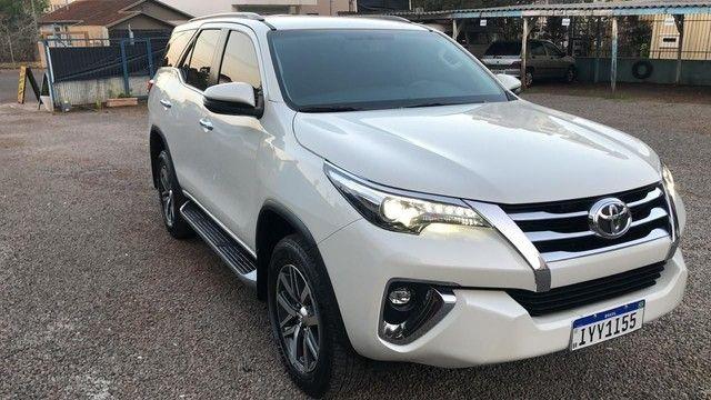 "Toyota Hilux sw4 diesel 4x4 srx ""abaixo da Fipe"" 7 lugares 2019 impecável!!!"