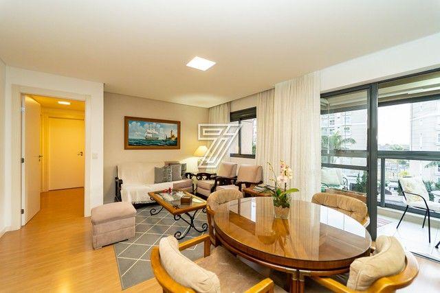 Apartamento, 3 dormitórios, 1 suíte, 2 vagas, sacada com churrasqueira, área de serviço, b