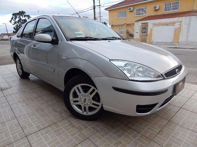 FORD FOCUS SEDAN 1.6 GLX
