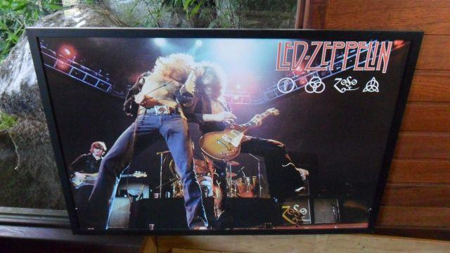 Poster lindo Led Zeppelin do show The Song Remains. Grande 95 x 65 cm c/ moldura preta