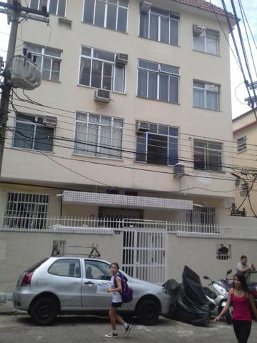 Botafogo, alugo apartamento de 2 Quartos