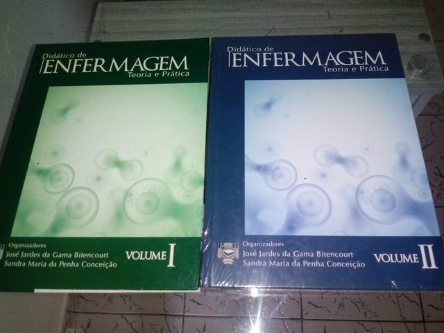 Livros de enfermagem.