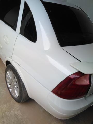 Vendo Corsa Sedã Branco 1.4 Econoflex, Gás/Gasolina - Foto 4