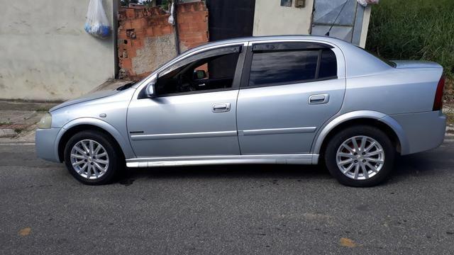 Astra sedan 2007 - Foto 5