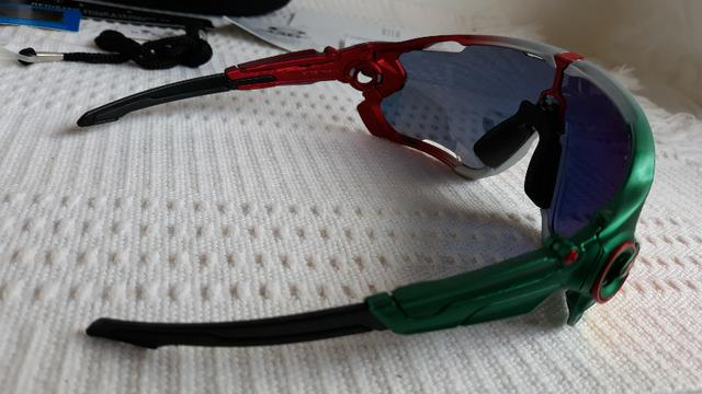 0f6e8c711 Óculos Oakley Jawbreaker Para Ciclismo Verde/Vermelho Prizm - Novo e  Importado - Foto 3