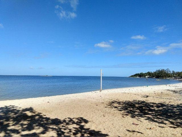 Apartamento térreo, com fino acabamento, frontal a Lagoa em Praia Linda, pé na areia - Foto 5