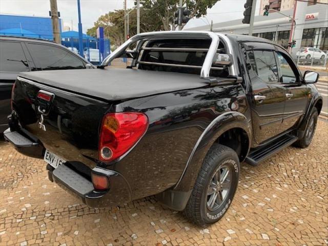 Mitsubishi L200 Triton 3.2 Hpe 4x4 cd 16v Turbo in - Foto 2