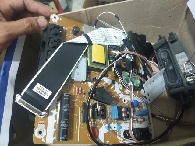 "Placa de tv smart Panasonic 32 "" - Foto 2"