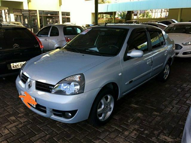 Clio sedan Authentique