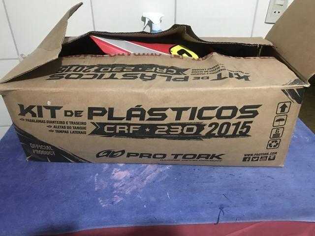 Kit plasticos CRF 230 sem uso - Foto 4
