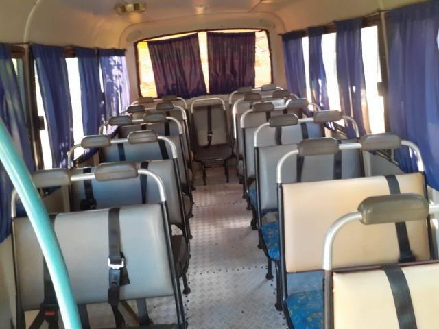 Ônibus Escolar M.benz buscar 51 lug - Foto 16