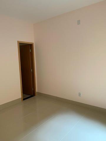 Casa nova 3 suítes plenas, sala com pé direito duplo, porcelanato, financia - Foto 13