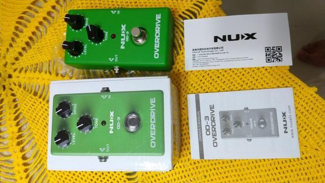 Pedal Nux Overdrive NOVO, na caixa e com as TAGS