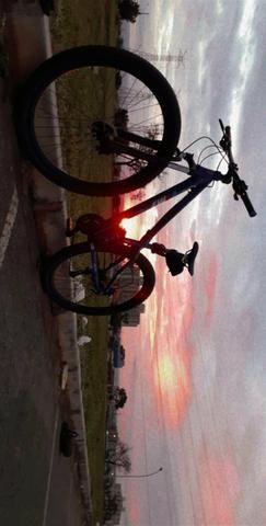 Bicicleta aro 29 nova! pra ir logo,passo cartão - Foto 4